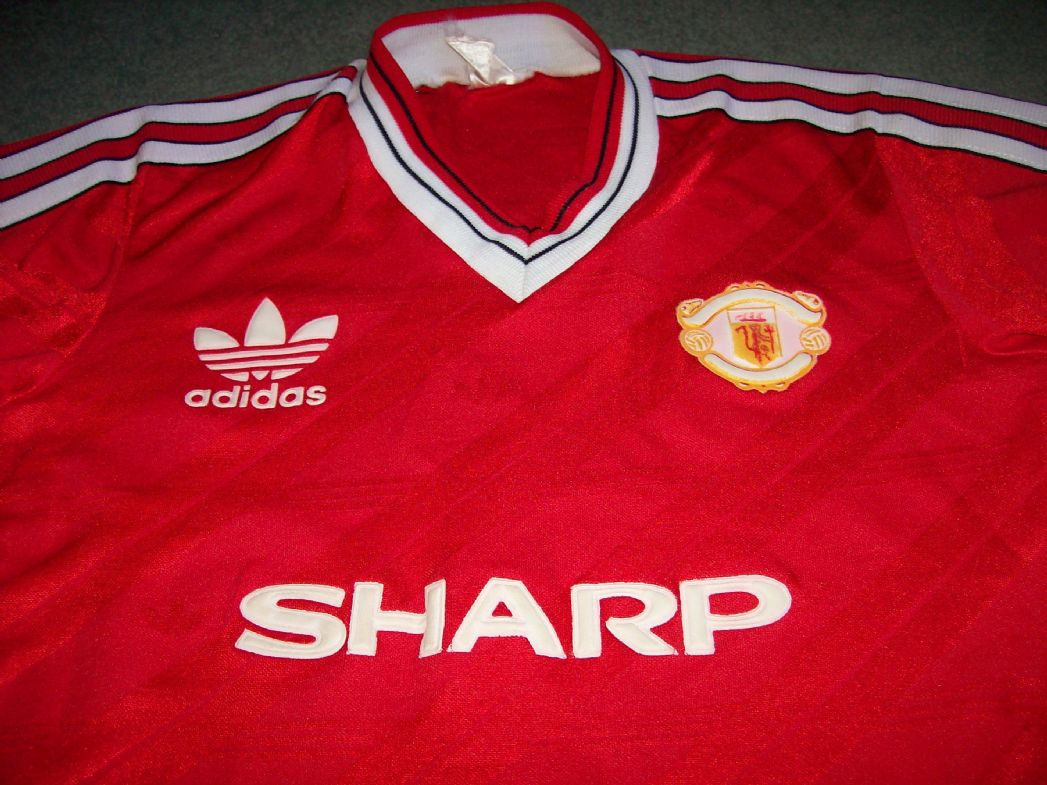ae63efb88 1983 1984 Manchester United Home Football Shirt Large Boys Top